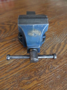 Woden No. 00 Bench Vise Kitchener / Waterloo Kitchener Area image 3