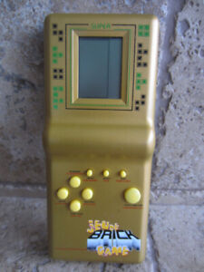 Vintage Hand-Held SUPER BRICK Game