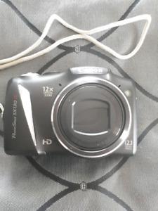 Camera canon peu utilisé a vendre!prix non négociable