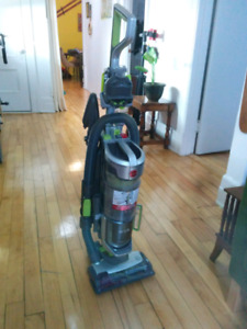 Balayeuse Hoover Air Lift Deluxe Vacuum