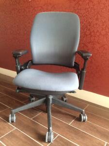 Steelcase Leap V2 Ergonomic Professional Chair