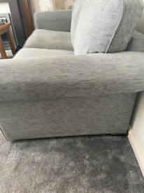 3 seater bed settee