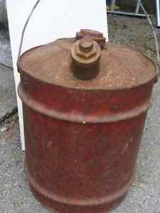 Gas cans / vintage