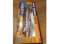 REMOTE CONTROL SPEED BOAT RC BOAT-- 60meter range!!! Great fun!!