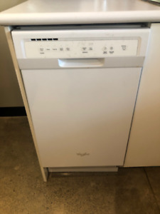 Whirlpool 18-in White Compact Dishwasher