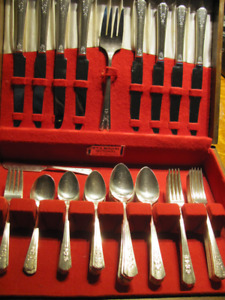 Wm. Rogers silverplate set