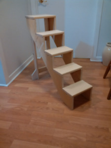 Pine 5 Step Staircase For Cat Or Plants