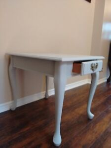 Amazing Grey Chalk Painted Side/Accent Table.