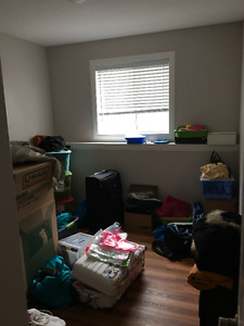 2 beds downstairs suite 1350 close to UBCO AIRPORT