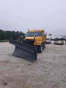 VOLVO Dumptruck with snow plow and sander