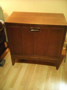 1950's record Cabinet for 33 Vinyl albums
