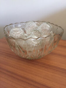 Punch bowl with 12 cups