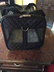 Pet Carrying Case Oakville / Halton Region Toronto (GTA) image 1