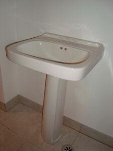 Mancesa by Mansfield pedestal sink Kitchener / Waterloo Kitchener Area image 10