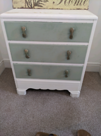 Sweet vintage looking chest of drawers.