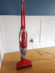 Dirt Devil aspirateur sans fils / Cordless Dirt Devil vacuum