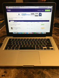 Late 2012 MacBook Pro! Like new only 205 cycle charges!