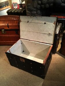 Antique coffre malle trunk 1850's leather brass studded West Island Greater Montréal image 4