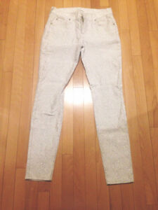 2 PAIRS OF YOUNG LADIES SIZE 29 DESIGNER PANTS