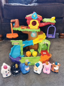 REDUCED! Bargain! Vtech toot toot animal tree house toy with animals.