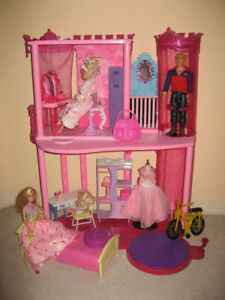 Barbie Fashion Fairytale Palace Play Set / Saddle 'N Ride Horse
