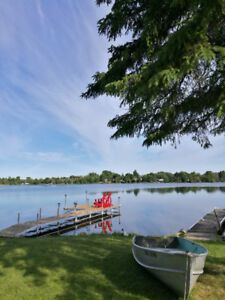 Cottage rental Fabulous Lake Waterfront 5bdrm in Kawartha Lakes