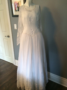 Vintage Look Wedding Gown Dress Approx size 16 White Sheer (#24)