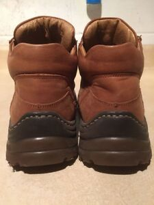 Women's Leather Shoes Size 6.5 London Ontario image 5