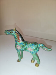 VINTAGE MINIATURE CHINESE CLOISONNE INTRICATE HORSE