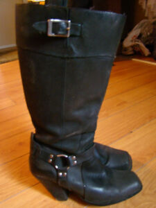 Ladies leather motorcycle boot – size 8