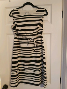 Maternity Dresses size Small