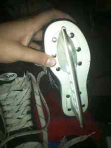 Ice skate suze 8 and 11 kids 10$ a pair  Kitchener / Waterloo Kitchener Area image 4