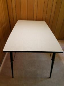 Retro 60's laminate table
