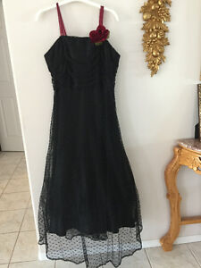 Party Dress - black lace
