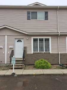 TOWNHOUSE FOR RENT-SK SIDE- AVAILABLE JULY 1