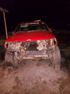 Looking for a 2000 to 2003 jeep grand Cherokee 4L for parts