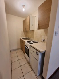 Studio flat on Downs Road in Luton available