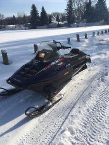 Selling 1998 Polaris RMK 600 Long Track Snowmobile