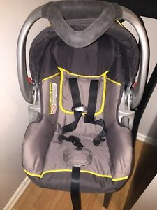 Baby trend gender neutral car seat and base