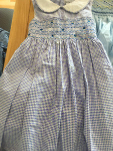 Handmade smocking dress/ robe brodée nid d'abeille