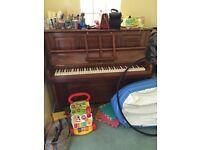 Upright piano FREE