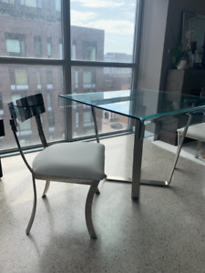 BEAUTIFUL TABLE SET WITH TWO CHAIRS
