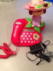 Strawberry shortcake telephone. Gatineau Ottawa / Gatineau Area image 1