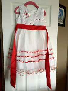 Richie House size 3/4 Christmas Dress
