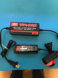 TRAXXAS 4 AMP CHARGER & 40 WATT AC/DC POWER SUPPLY