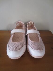 "GIRLS PINK ""SMARTFIT"" SHOES - SIZE 2"