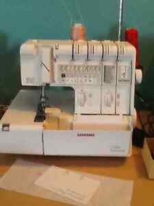 Serger Janome heavy duty professional 1100d