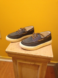 Abercrombie shoes, kids size 11; very good condition
