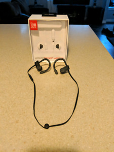 Lightly used PowerBeats 3 (wireless) for Sale.