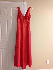 Bridesmaid Dress / Evening Gown ~ size 4/6 Sarnia Sarnia Area image 1
